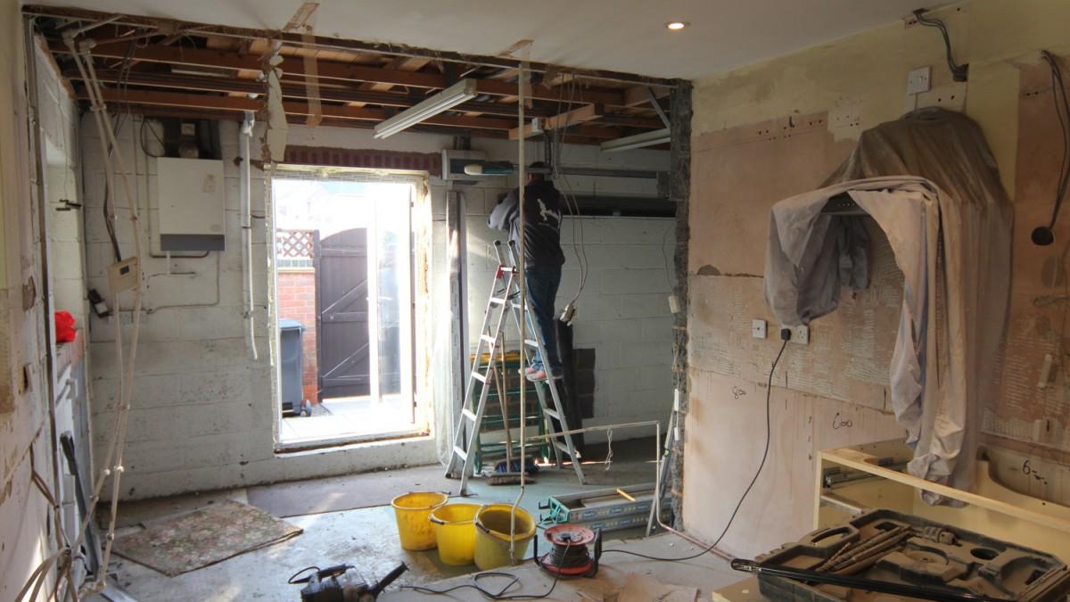 White Gloss Kitchen Worktop White Gloss Finish Cupboards With Dark Granite Effect Laminate