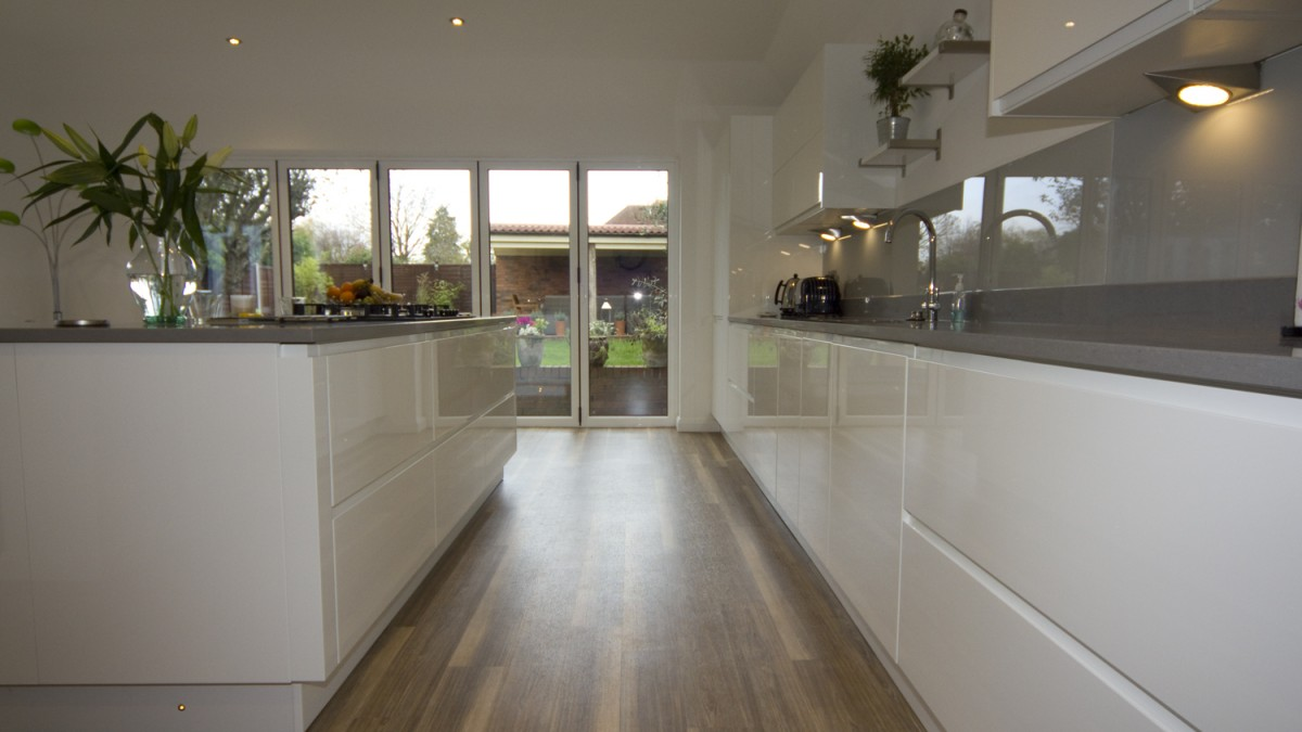 White Gloss Kitchen Droitwich Diamond Kitchens Driotwich