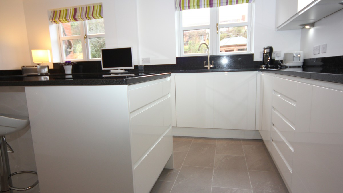 White Marble Kitchen Worktop